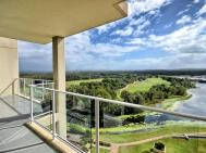 AMAZING HINTERLAND AND GOLF VIEWS